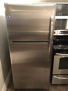 ***STAINLESS STEEL GE FRIDGE AND STOVE***
