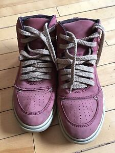 Leather red sneakers size 8