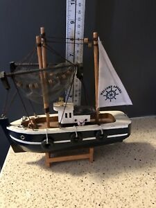HANDCRAFTED WOODEN FISHING BOAT WOOD MODEL SHRIMP TRAWLER