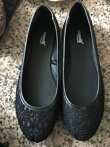 7 pair of shoes $25
