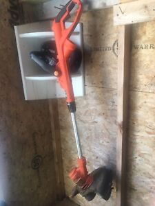 Black and Decker Electric string trimmer