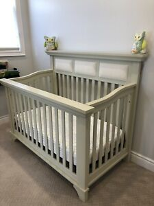Canadian Made Crib and Matching Dresser!