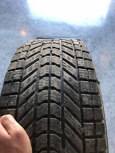 4 pneus d'hiver 265/70r17