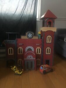 Toy Firehouse
