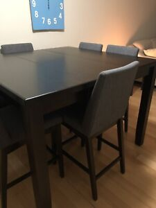 Pub style table + 6 chairs