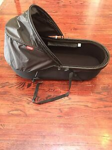 Phil & Teds Peanut Carrycot Stroller Bassinet in KELOWNA