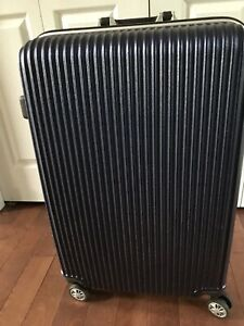 Large Hard Shell Luggage/Suitcase with Spinner Wheels $75