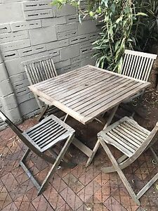 Great solid wooden 5 piece outdoor patio set. North Willoughby Willoughby Area Preview