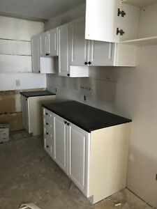 Renovated 3 bedroom, sept 1, downtown south end, ALL INCLUSIVE