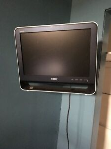 "19"" Sony TV Monitor with wall mount arm"