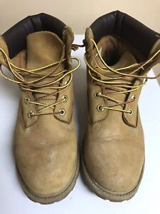 Timberland boots barely worn outgrew
