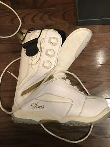 SIMS women's snow boarding boots size 9