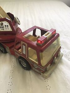 Antique Tin Toy Fire Truck. Moveable ladder. Uralla Uralla Area Preview