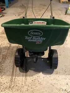 Turf Builder Deluxe Edgeguard Spreader