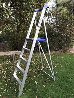 Bailey ladder -trade platform stepladder