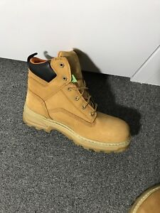 Mint condition Timberland Pro Series Boots 9W (foot size 10-11)