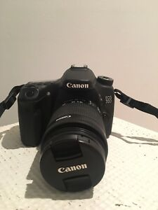 CANON 70D BARELY USED MINT CONDITION