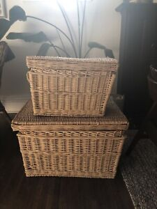 Set of two wicker baskets