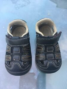 Stride rite surprize size 4 baby sandals