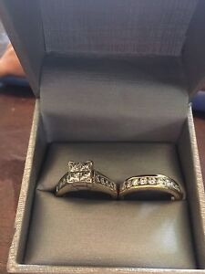 14kt gold 2ct diamond wedding ring set in excellent condition
