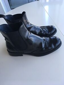 Black women's leather shoes size 37 or 6