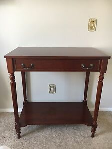 Beautiful Entry / Accent Table $165 OBO