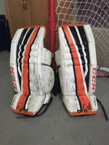 Excellent condition youth goalie pads