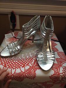 Women's shoes size 8&9