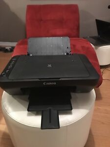 Canon PIXMA MG 3000 wireless printer with integrated scanner
