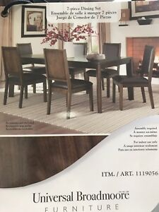 Brand new dining table with 6 chairs