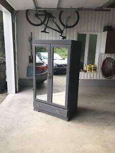 Armoire avec porte miroirs