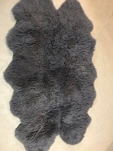 Beautiful Sheep Hide Rug In Dark Grey 100% Real