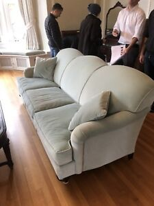 **DELIVERY AVAILABLE**Like new neutral coloured sofa