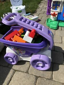 Duplo blocks and wagon