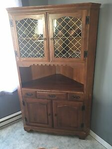 Corner Hutch/Buffet