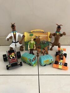 SCOOBY-DOO FIGURES TOYS & COLLECTIBLES