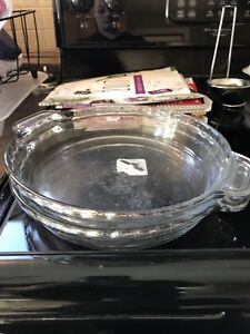 Glass baking dish and food chopper
