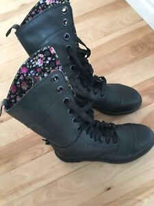 Leather floral Doc Martens