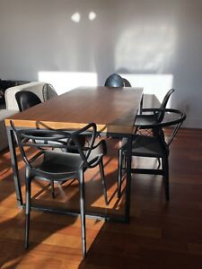 Table a dîner chaises modern scandinave mid-century dining chair