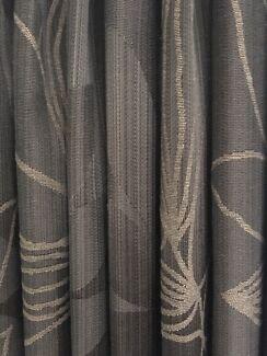Curtains, pelmet and track