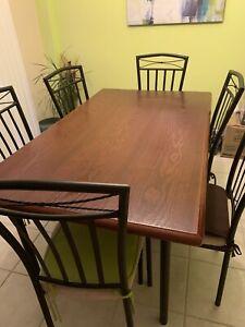 Table de cuisine à vendre