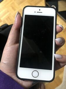 UNLOCKED IPhone 5s 32GB
