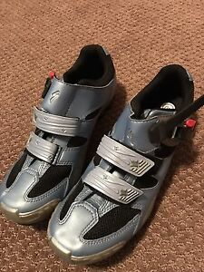 Specialized bike shoes (brand new) Kitchener / Waterloo Kitchener Area image 2