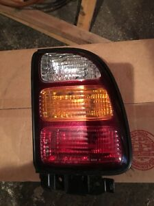 lumiere arriere tail light rav 4