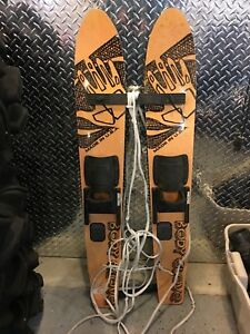 Body glove water skis
