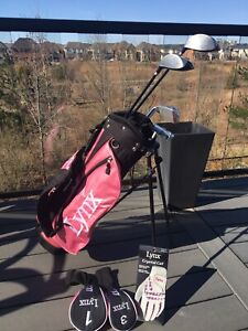 Girl's 10-12 Righty Golf Club Set - Barely Used
