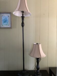 Lamps/coffee/end table