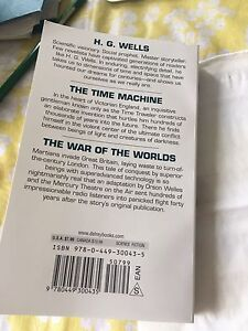 English essay books/ time machine / the ear of the worlds