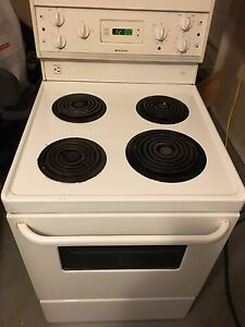24 inch stove -Great for STUDENTS OR APARTMENTS