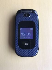 ZTE 222 Flip Phone Locked To Rogers, Fido, Chatr - Great Cond